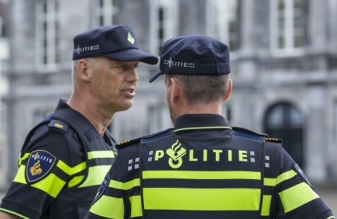 Politie in actie: political party crashing