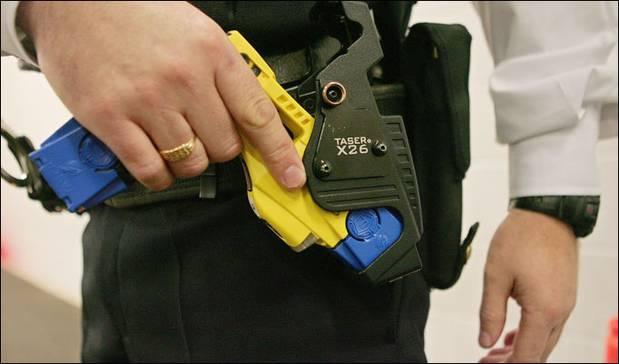 Nationale Politie onderzoekt invoering stroomstootwapen sinds 2015