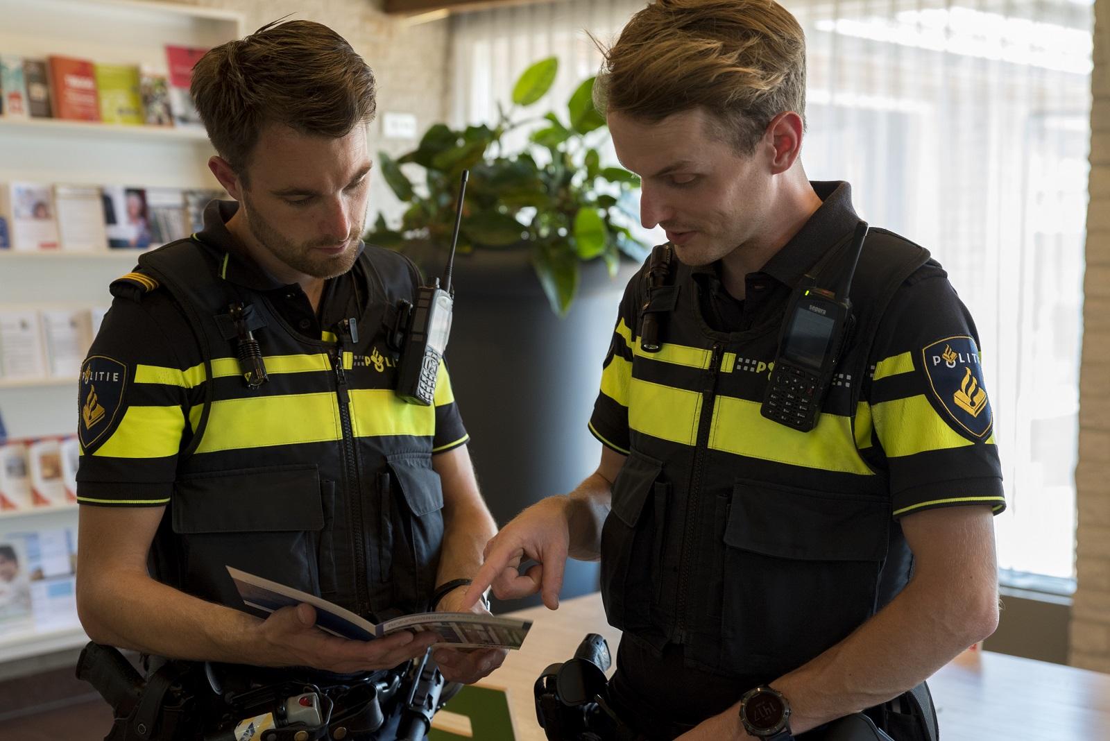 twee agenten